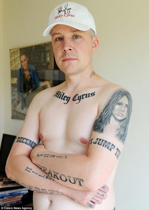 miley-cyrus-tatuaje