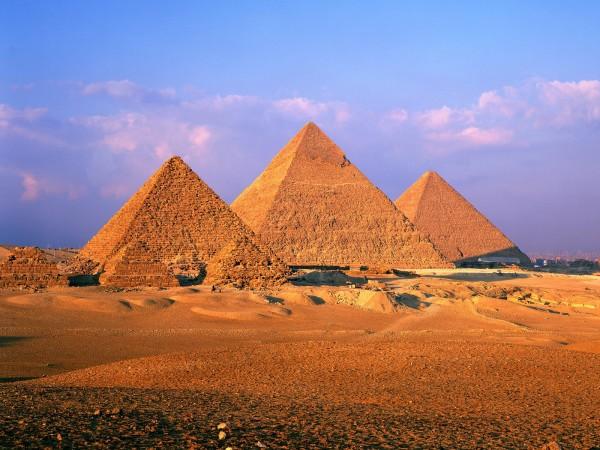 pyramids_of_giza