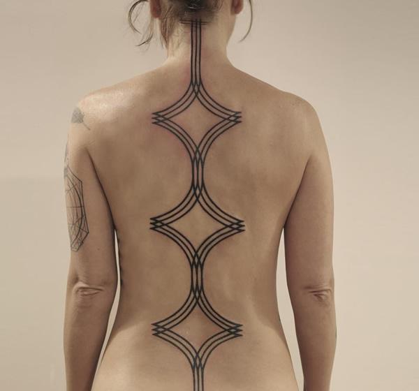 tatuaje-columna-vertebral-5