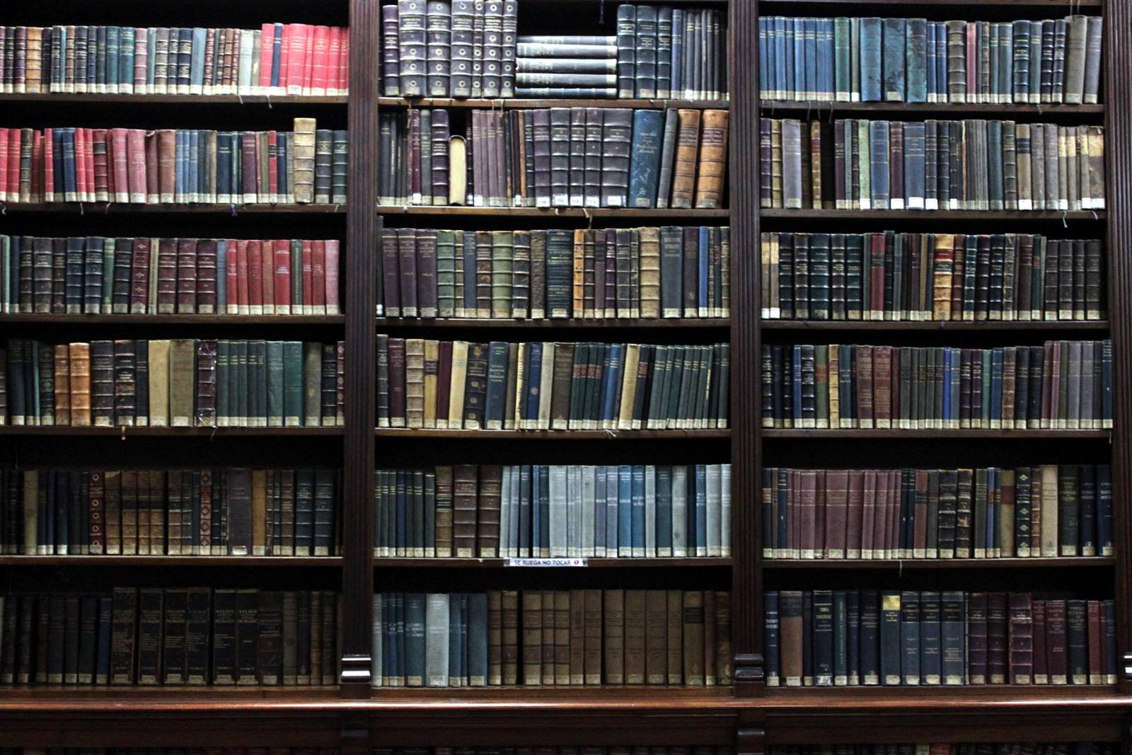 Estanter a de libros foto refugio antia reo for Estanterias para libros